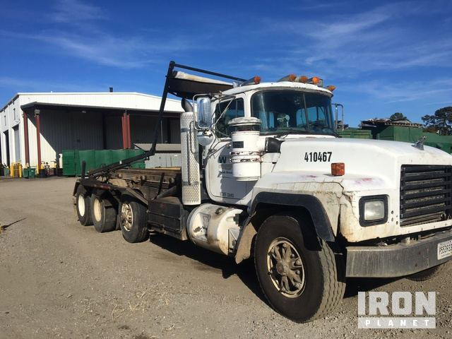1996 mack rd690s roll off truck in florence south carolina united rh ironplanet com 2012 Mack Dump Truck 2012 Mack Dump Truck