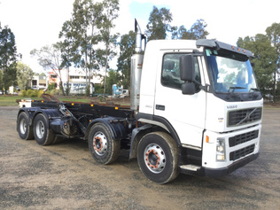 Hooklift Trucks