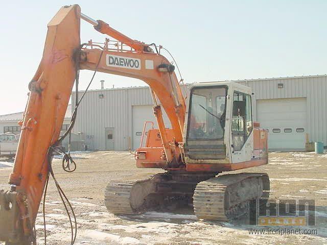 1997 Daewoo 130-2 Track Excavator in Columbus, Indiana, United ...