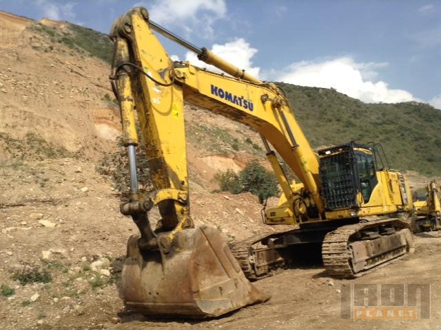 2011 Komatsu PC600LC-8 Track Excavator