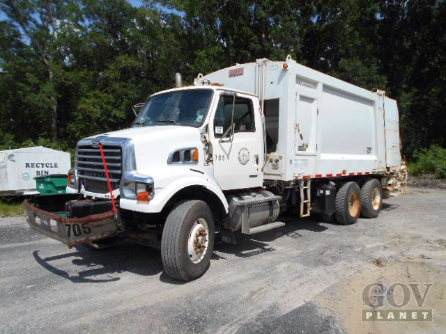 2009 Sterling L7500 Waste Collection Truck