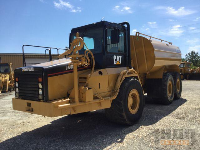 Cat D250E Series II Water Truck