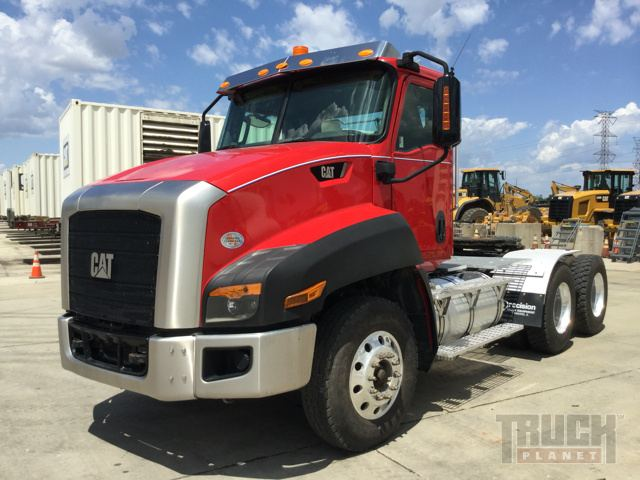 2013 Cat CT660S T/A Conventional Day Cab