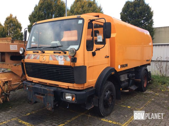 Mercedes Benz 1622 Ak 4x4 Sweeper Truck In Us Army Depot