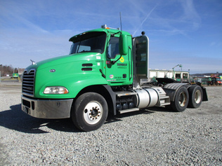 Trucks - Conventional Tractor