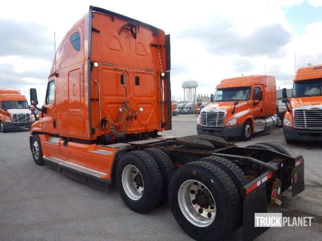Detail photo of 2012 FREIGHT KING Cascadia 125 from Construction Equipment Guide
