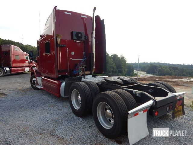 Detail photo of 2012 Peterbilt 587 from Construction Equipment Guide