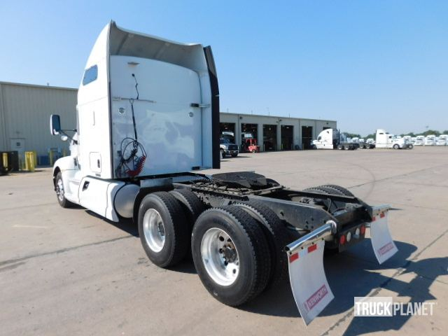 Detail photo of 2014 Kenworth T660 from Construction Equipment Guide