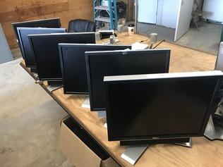 Computers - Monitors